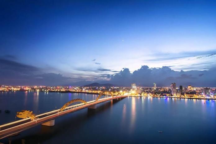 Cầu Rồng Đà Nẵng phun lửa và phun nước lúc mấy giờ?
