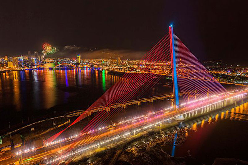 tran thi ly bridge da nang travel shopping guides