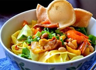 mi-quang-noodles-da-nang