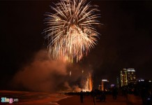 events-in-da-nang-2017-new-year-fireworks-display-on-beach