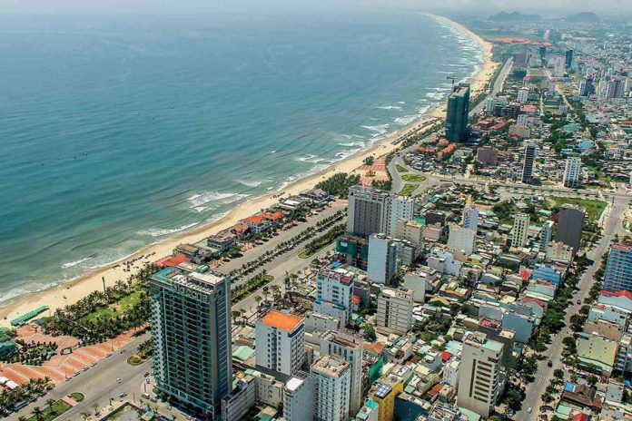 Khách sạn gần biển Đà Nẵng trên đường Võ Nguyên Giáp