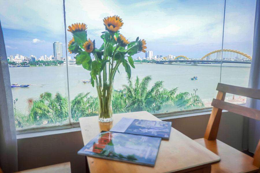 Khách sạn view sông Hàn Đà Nẵng tuyệt đẹp