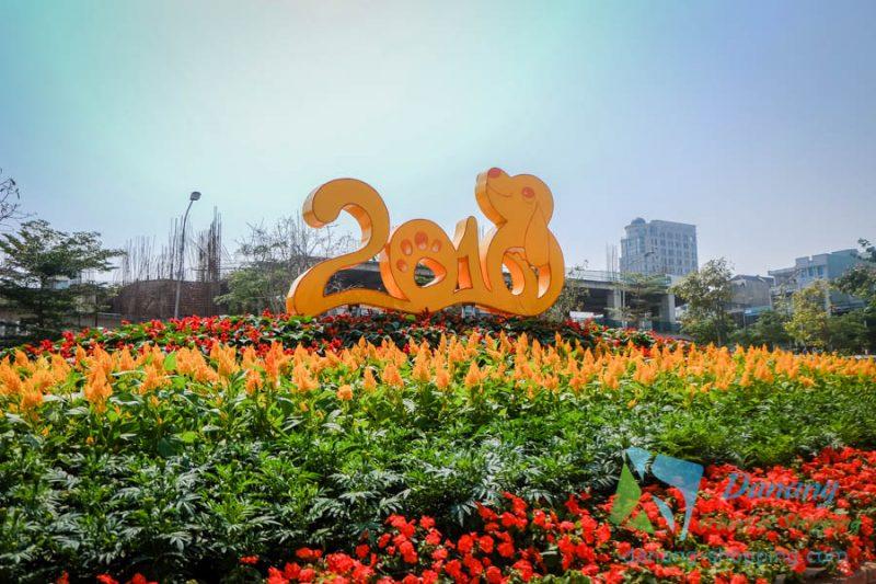 http://danang-shopping.com/wp-content/uploads/2018/02/duong-hoa-tet-da-nang-xuan-nam-moi-5-800x533.jpg