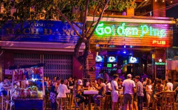 kinh-nghiem-du-lich-da-nang-tu-tuc-tiet-kiem-golden-pine-pub