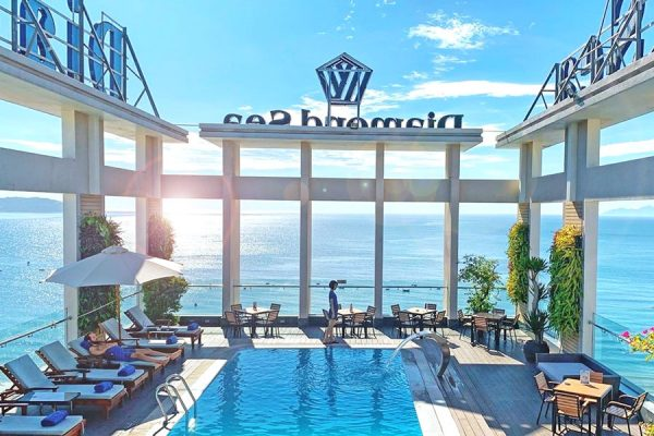 top-best-hotels-with-nice-pool-in-da-nang-8